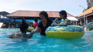 Aqua therapie zwembad voor gehandicapte kinderen op Bali logo 1